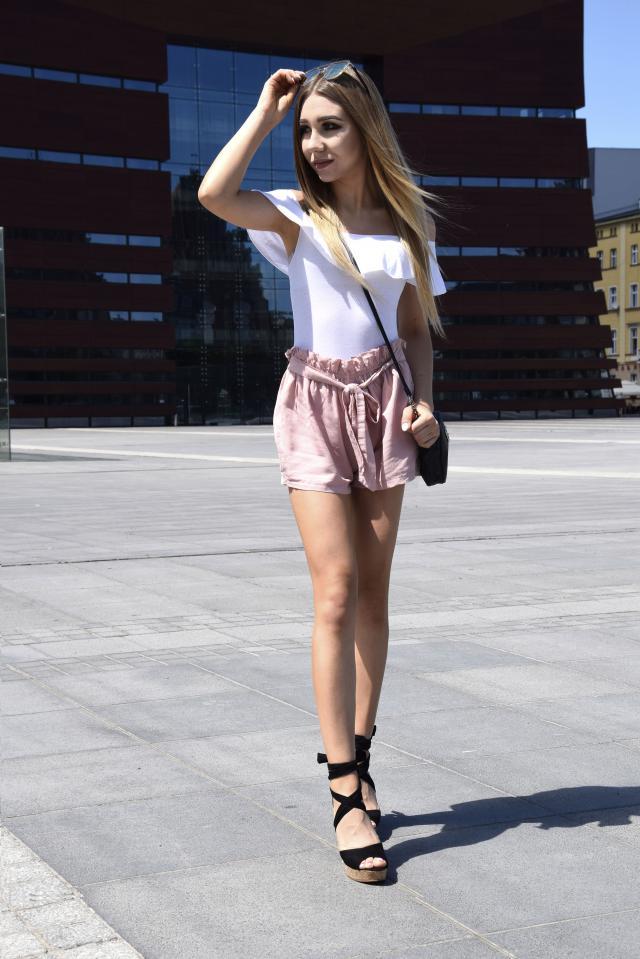 #pinkshorts #whitetop #summer #style