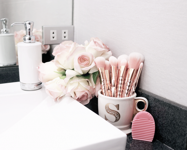 Dont forget to check how i deep clean my #zaful rosegold brushes on ZMe :)