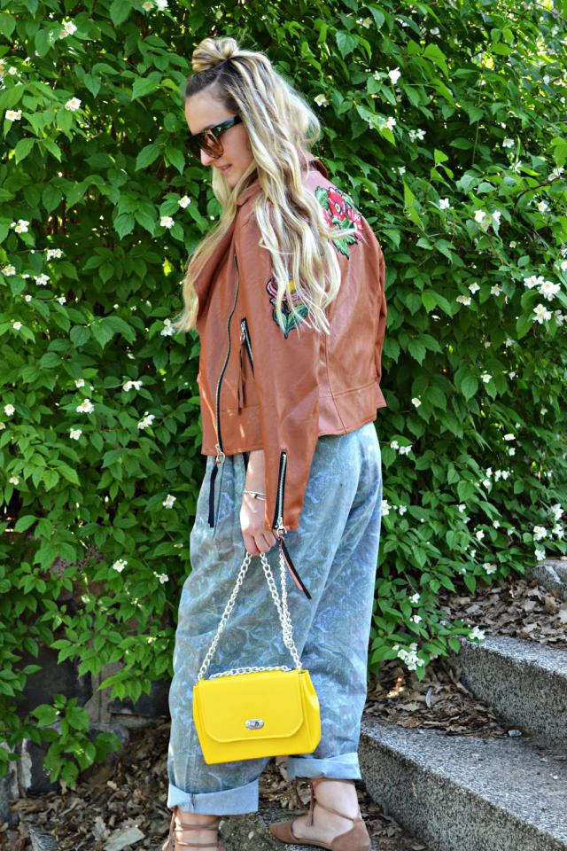 Great #brown jacket ...  #ootd #streetstyle #jacket #fashion #blogger