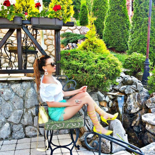 New post http://itsmetijana.blogspot.rs/2017/07/zlatibor-lace-shorts.html IG: tijamomcilovic #zaful #outfit #fashion