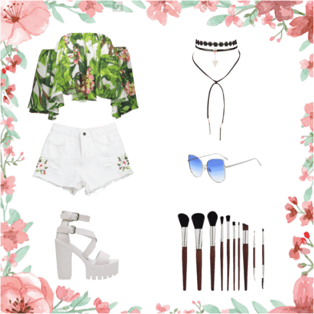 Prepare yourself !! For a trip to the beach !!! Use this outfit and you will steal all eyes !!