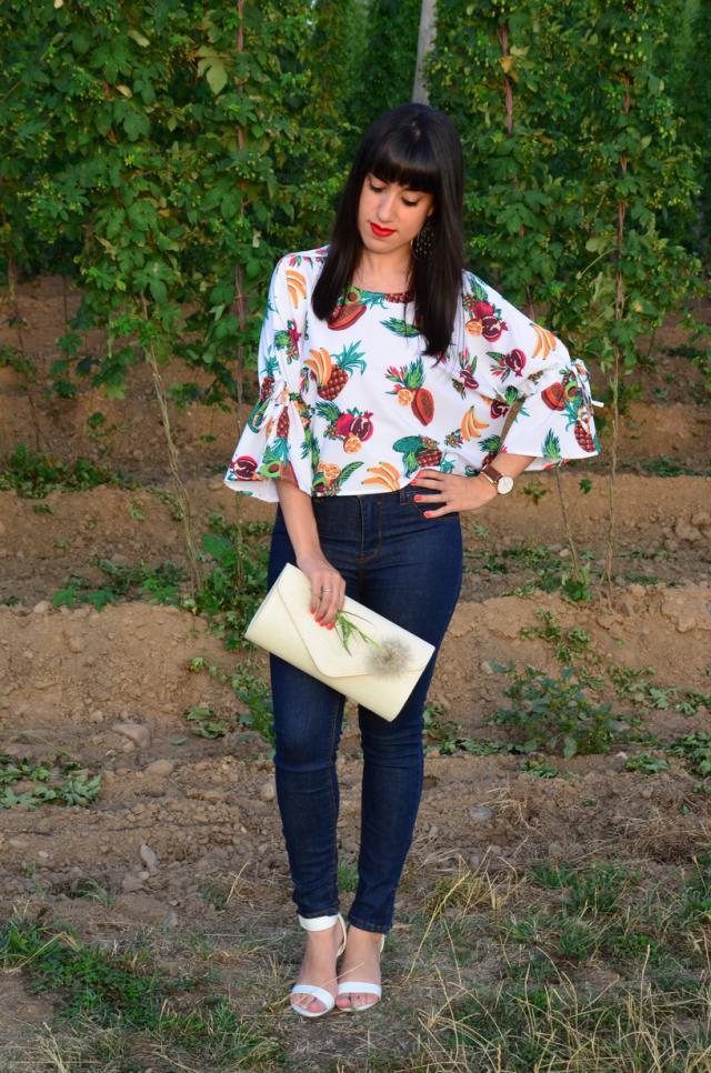#Julyblue #Loveselfie #Summertrip #Denimlove #Gotolook #Dressforidol #ootd #look #fruits #printed #blouse #colorful
