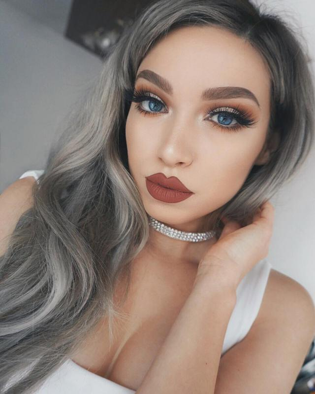 Love her look!! Comment below if you like it too.