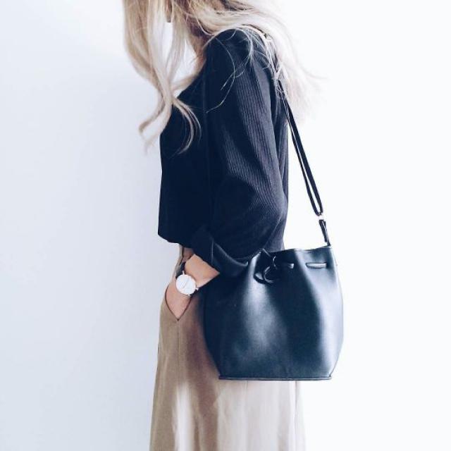 Beautiful black bag! do you like it? let me know in the comments!❤️❤️❤️❤️❤️❤️❤️❤️❤️