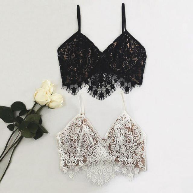 Beautiful lace tank top do you like it? let me know in the