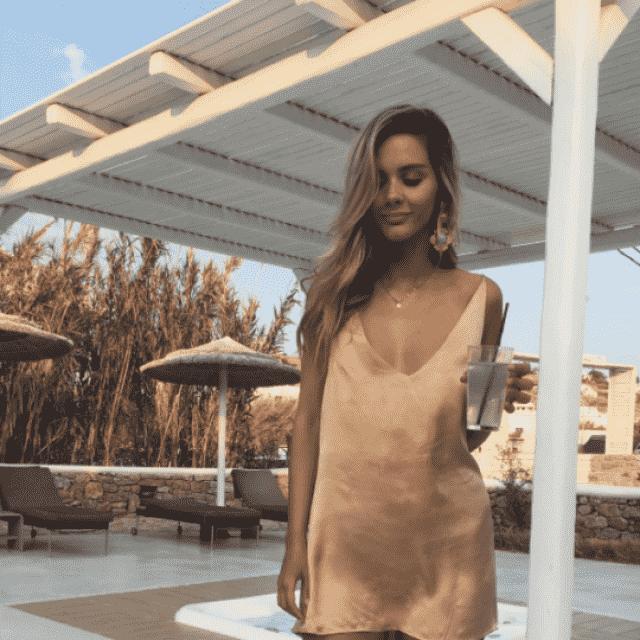 Beautiful satin dress do you like it? let me know in the comments!❤️❤️❤️❤️❤️❤️❤️❤️❤️                    …