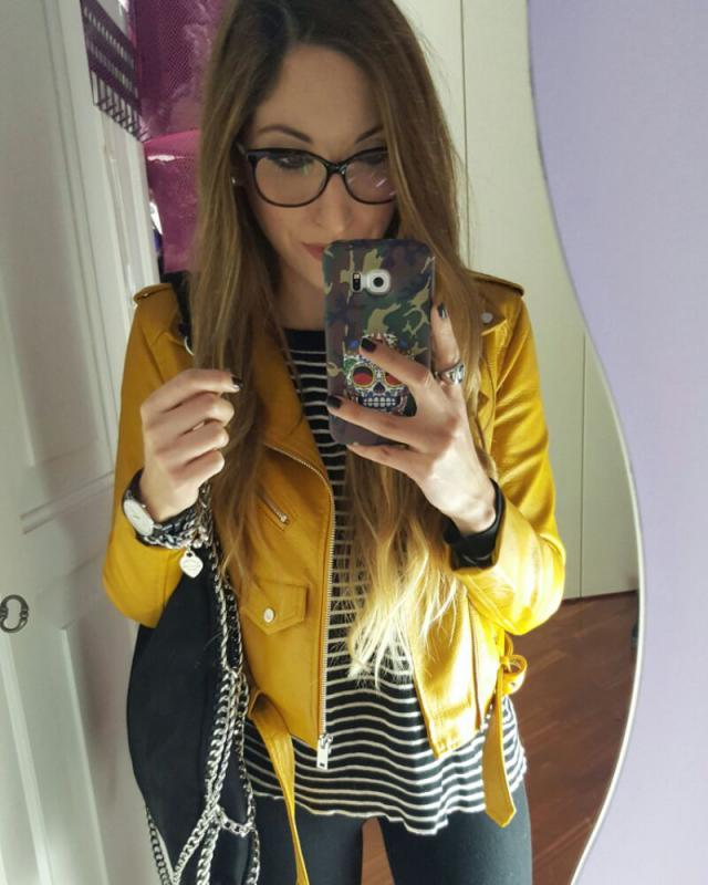 Leather jacket yellow. I love it. It is in size XS.