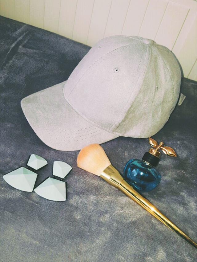 So happy with my new @zaful hat! Thanks Zaful! #zaful #fashion #hat #suade #grey #zafulfashion