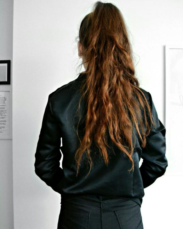I love my black bomber jacket! Remember wearing black clothes is so classy! black is the New black