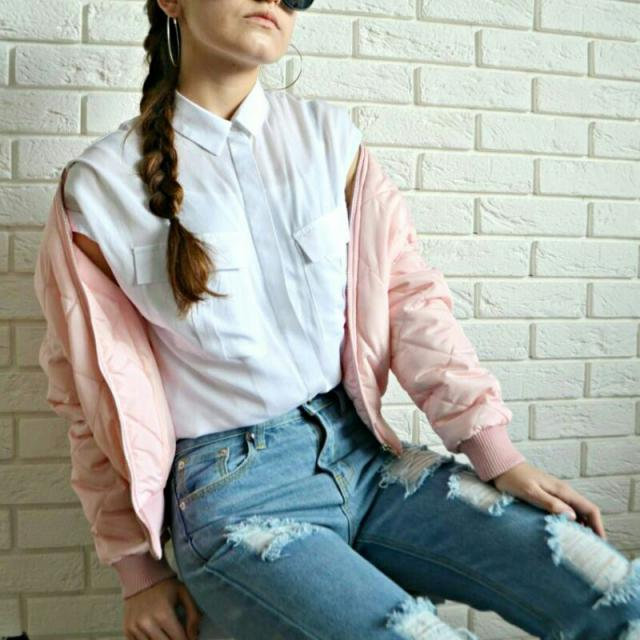 #ttil #mfzi #zme #ootd #look #lookbook #outfit #momjeans #bag #bomberjacket #pink