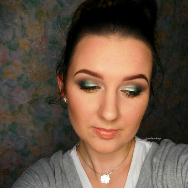 What do you think about this makeup? Like it ? :)