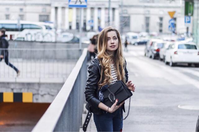 Breton shirt and jeans are always good idea! Instagram: julietteinwonderland
