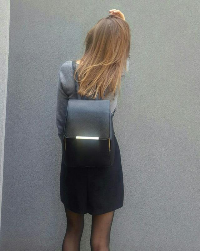 The best back pack ever! If string bother you, you can easily hide them as I did it!