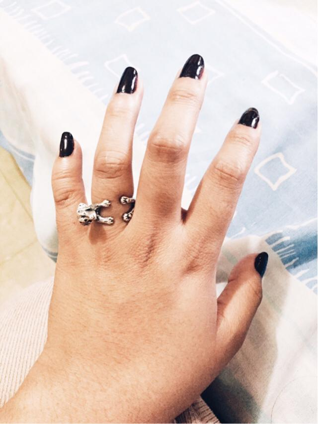 How about black? And my cutie labrador ring too!