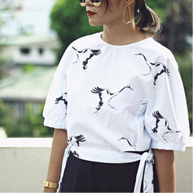 Bird Print and tie sides.. How cute is this blouse? #zafulhits