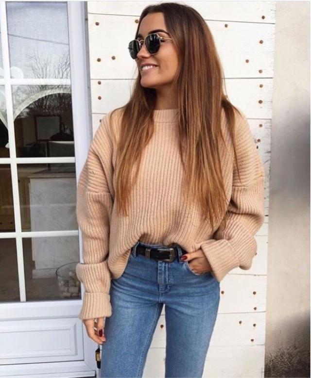 Perfect beige knit sweater for cold evenings...  #sweater #beige #denimlove #loveselfie