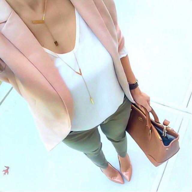 My favorite office look...would you wear it to work? #pinkblazer #loveselfie #officelook