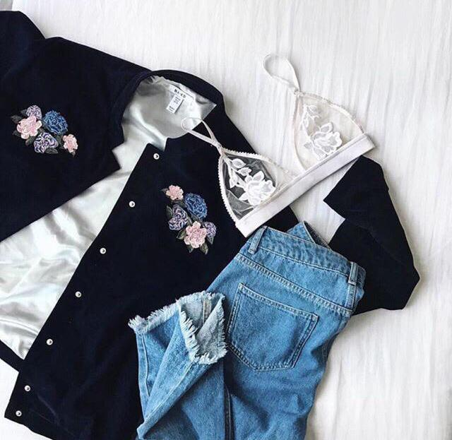 Love it guys !!! <3  #flower #girly #mystyle #confidence #cool #onstyle #tendeza #jeans #bra #whitebra #girlyoutfit