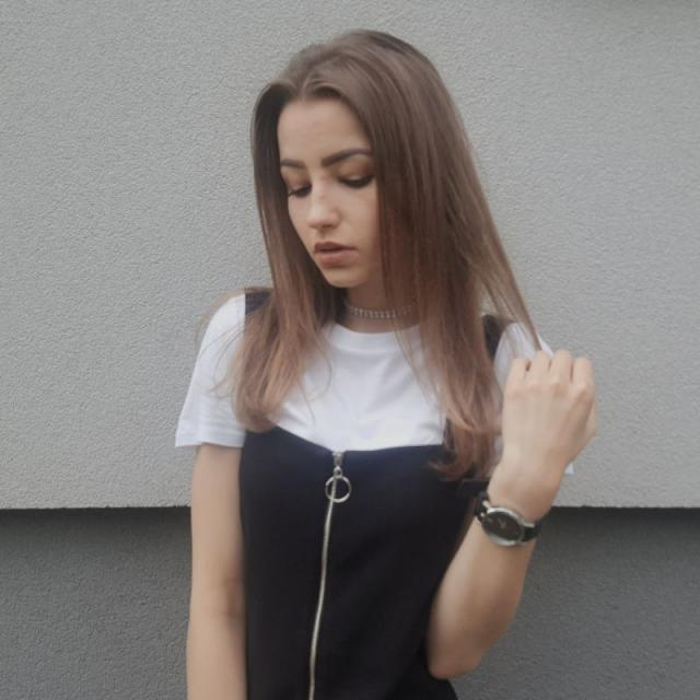 I love this cute choker and watch♡