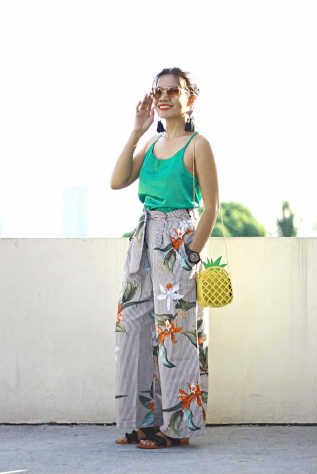 Aside from its wide leg style, the other reason why I love this floral striped wide leg pants with a belt is that it's