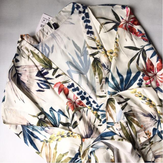 #floral #floralprint Perfect beach cover-up!