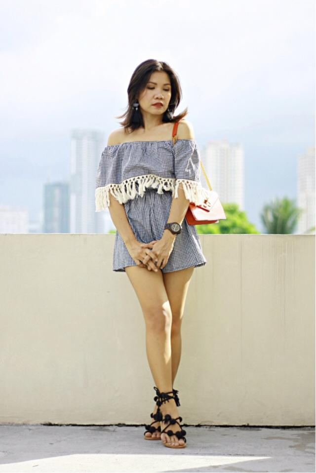 #gingham #romper This romper is a fave because the shoulder elastic band doesn't run up when I move. Check my blog: