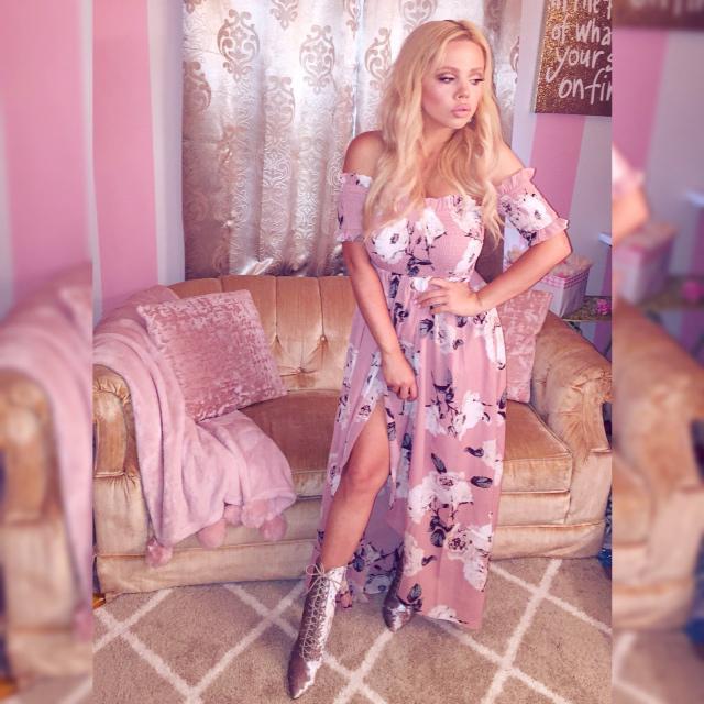 Feeling very glamorous in these gorgeous Zaful dresses!    #glam #summerdresses #girlylife #barbie #princessvibes #zaful