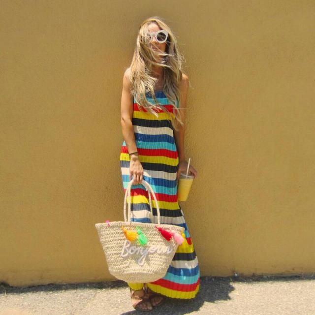 feeling a little retro today! nothing like a good stripes dress! check out my looks (instagram) @unstoppably_stylish .…